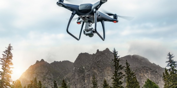 La dispersion des cendres par drone